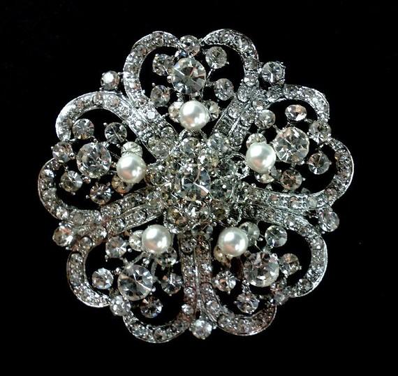 Свадьба - Pearl Bridal Broach, Rhinestone Crystal Bridesmaids Brooch, Wedding Party Jewelry, ROMANTIC