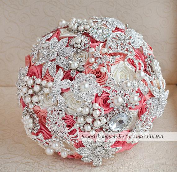 Mariage - Brooch bouquet. Coral and Ivory wedding brooch bouquet, Jeweled Bouquet.