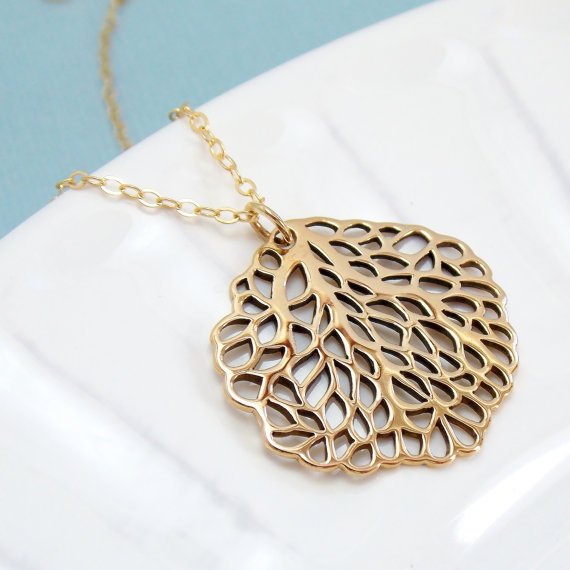 Mariage - Large Sea Fan Necklace / Gold or Silver / Coral Branch / Nautical Jewelry / Ocean Summer Wedding / Beach Resort Jewelry
