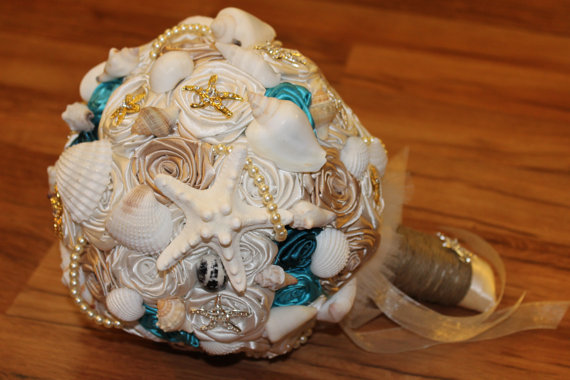 Mariage - Starfish Brooch Bouquet, Beach Shell Bouquet, Sea Shell Bouquet, Destination Wedding, Nautical Theme, Beach Wedding