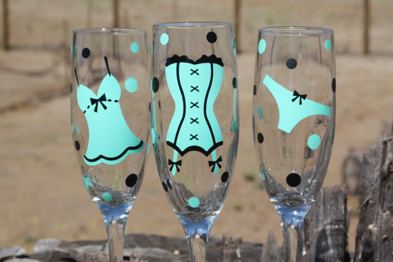 Mariage - 6 Personalized Bachelorette Party Champagne Flutes, Perfect for the Bride to Be Great for bachelorette and wedding parties. Custom glasses