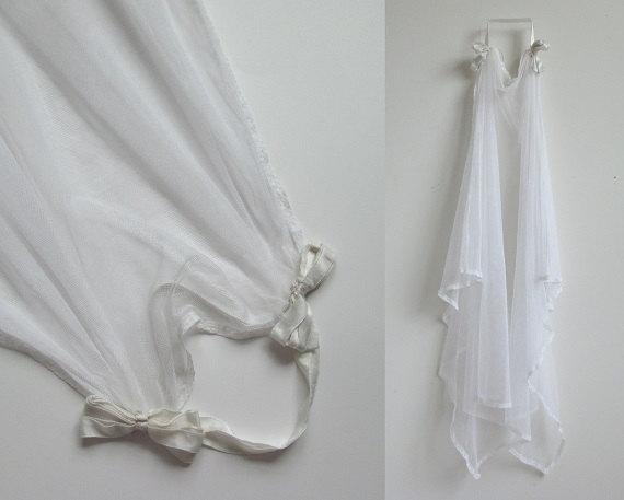 Mariage - 1920s Veil / Vintage 1920s Wedding Veil / Antique White Silk Wedding Veil