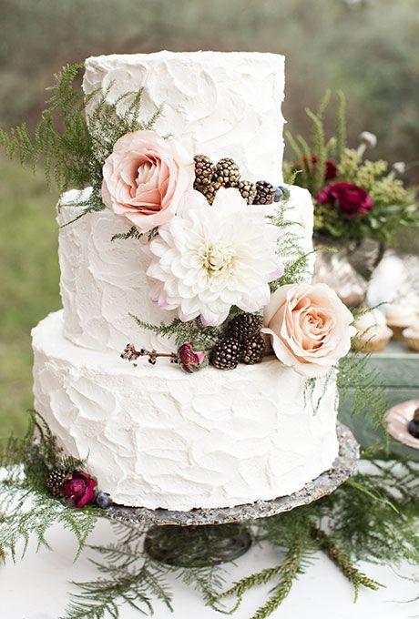 Seasonal Cakes For A Fall Wedding