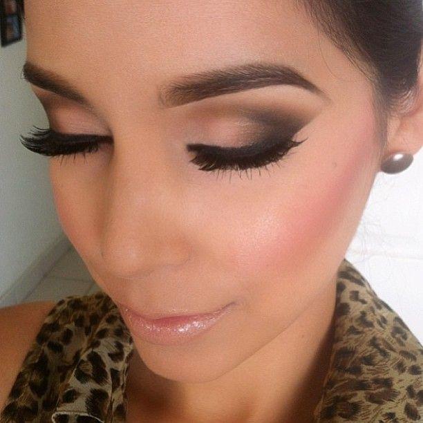 12 Fantastic Winged Smokey Eye Makeup Looks 2239466 Weddbook