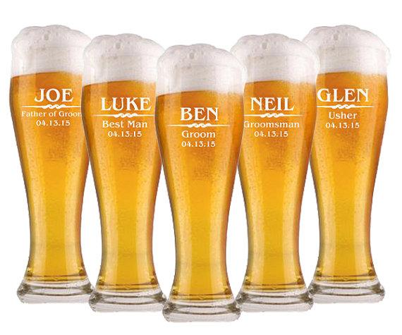 Свадьба - 1 Groomsmen Pilsner Glass, Personalized Beer Glass, Beer Mug, Wedding Party Gifts, Gifts for Groomsmen, Engraved Glasses, Groomsmen Gift