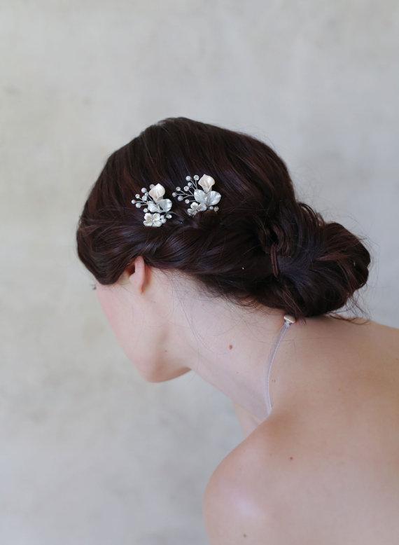 زفاف - bridal floral hair pins - Petite floral and crystal hair pin pair - Style 567 - Ready to Ship