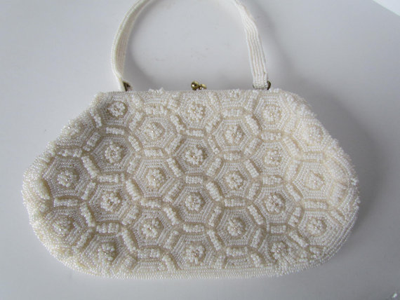 Mariage - White Beaded Purse Bags Wedding Purse Bride Or Bridesmaid Clutch Clutches - Evening Bags Art Deco Bridal Handbags White Beaded Flowers