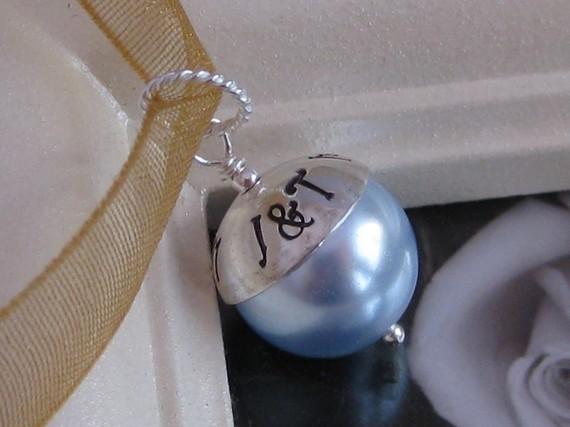 Mariage - SOMETHING BLUE- Custom Handstamped wedding bridal bouquet charm- Fits Large Hole Charm bracelet