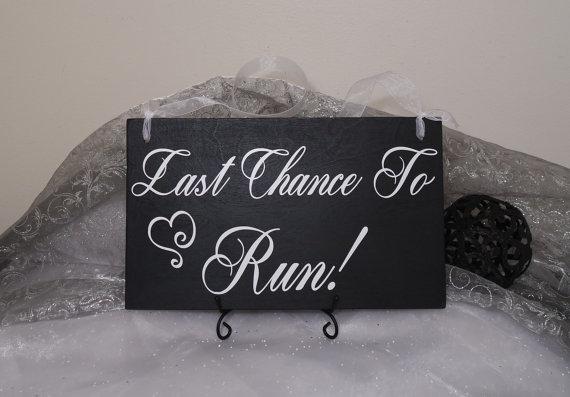 زفاف - Last Chance To Run Flower Girl Wedding Sign, Ring Bearer Wedding Sign, Last Chance To Run Uncle, Here Comes The Bride Wedding Sign