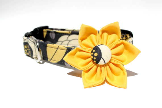 Свадьба - Grey and Yellow Dog Collar and  Flower Set / Style: Georgia Bloom / Removable Dog Collar Flower / Wedding Dog Collar and Flower Set