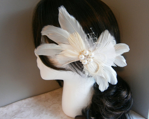 Mariage - Ivory, Weddings, hair ,accessory, Feather, Fascinator, Feathered, veil, Bridal, Accessories, white, wedding, sash, brooch - IVORY BRIDE