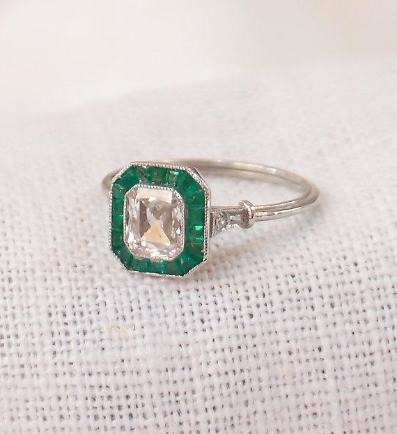 زفاف - Art Deco Platinum .85 Carat Diamond and Emerald Engagement Ring