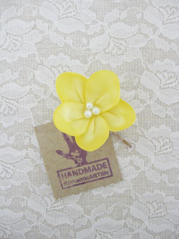 Wedding - Yellow Flower Accessory. Yellow Flower Pin. Bobby Pin. Hair Accessory. Hair Flower. Wedding Accessory.