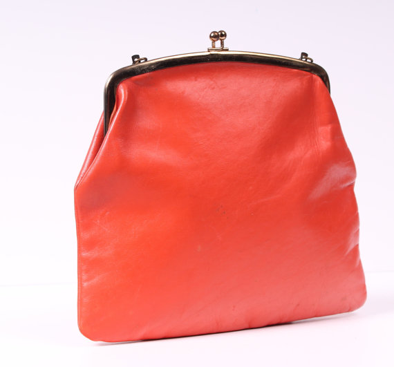 Mariage - vintage 1960s MOD orange leather clutch bag purse mad men mid century modern gift wedding party