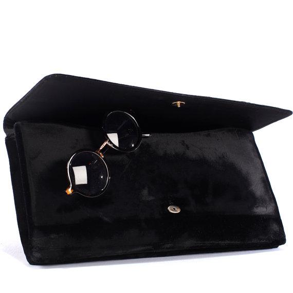 Mariage - 60s BLACK VELVET Opera Clutch . Retro Black Wedding Purse Bridal Holiday LBD Accessories Medium Clutch 1960s Mad Men Style Women Gift