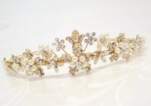 Свадьба - Gold Bridal headpiece, Gold Bridal tiara, Gold wedding headband, Bridal tiara, Gold tiara, Pearl headpiece, Bridal headband