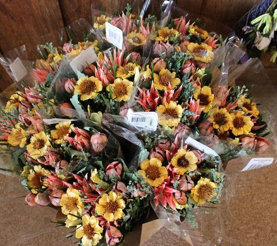 Свадьба - 12 Bouquets Sunflower Yellow Pink Dried Floral Wholesale Arrangement Crafts DIY Paper Grass Botanical Shabby Cottage Wedding Supplies