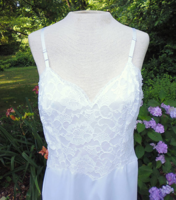 Wedding - Vanity Fair 50s slip nylon Mid Century lingerie white lace 36 up cycling wedding