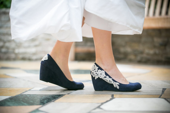 Свадьба - Wedding Shoes - Navy Blue Wedges, Wedding Heels, Navy Wedges with Ivory Lace. US Size 7