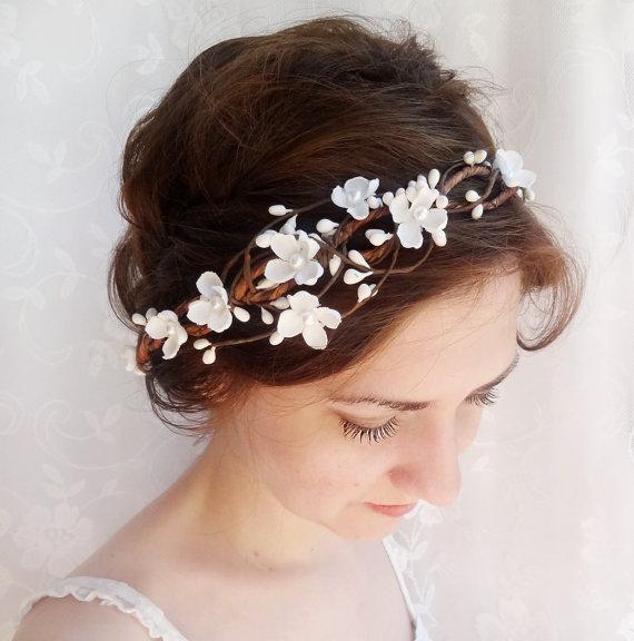 زفاف - bridal hair accessories, wedding flower headpiece, white flower hair circlet - WHIMSY - rustic wedding flower crown, ivory hair accessory