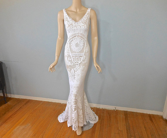 Свадьба - Lace Mermaid WEDDING Dress Hippie BoHo wedding dress BEACH Wedding Dress Sz Medium