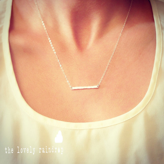 Свадьба - NEW Sterling Silver Tiny Hammered Bar Necklace - Dainty Small Bar Pendant Sterling Silver - Gift For - Wedding Jewelry - Simple Everyday