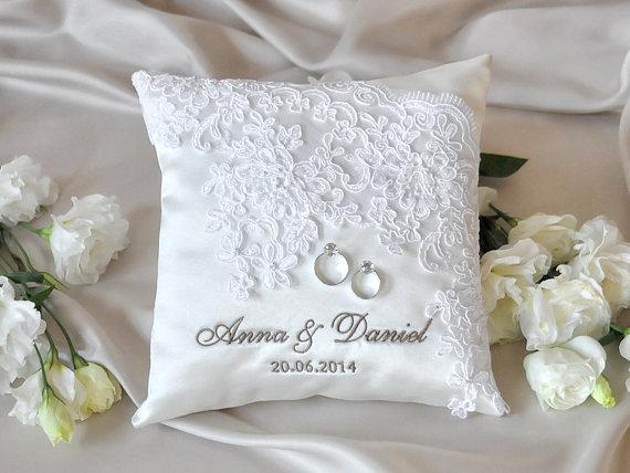 Lace Wedding Pillow Vinateg Ring Bearer White Classic 4lovepolkadots