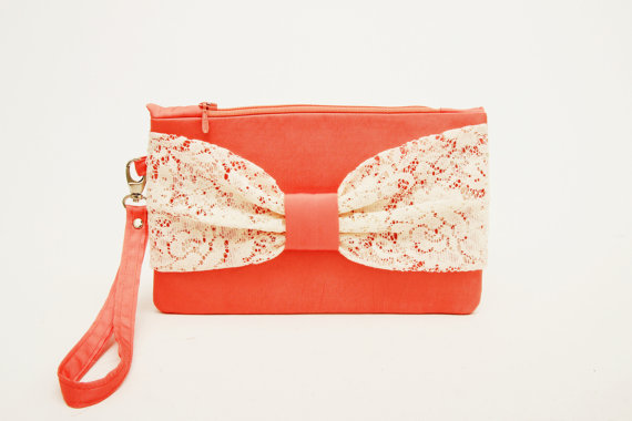 Свадьба - Coral clutch with  ivory lace  bow wristelt  lace clutch,bridesmaid gift ,wedding gift ,make up bag,cosmetic bag