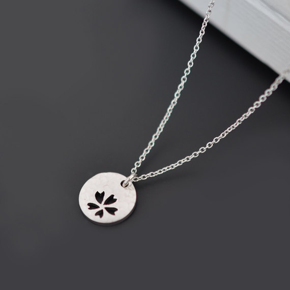 Свадьба - SALE, Daisy necklace, Pendant Necklace, Silver necklace, Flower necklace, Disk necklace, Dainty necklace, Wedding necklace, Bridal jewelry