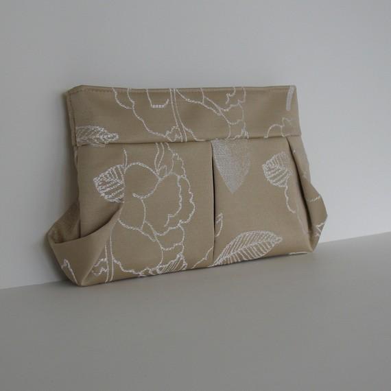 Mariage - Bridesmaid clutch purse Handmade wedding purse in pale gold  Evening bag cocktail bag fabric purse vegan bag