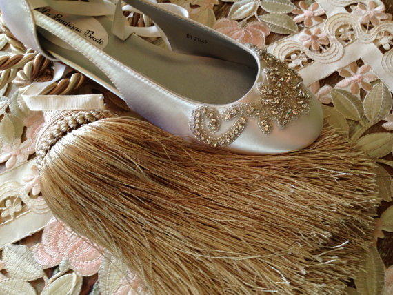 Mariage - Custom Ballet Wedding Flat Laces Ballerina Rhinestone Beaded Crystals Bridal Shoes