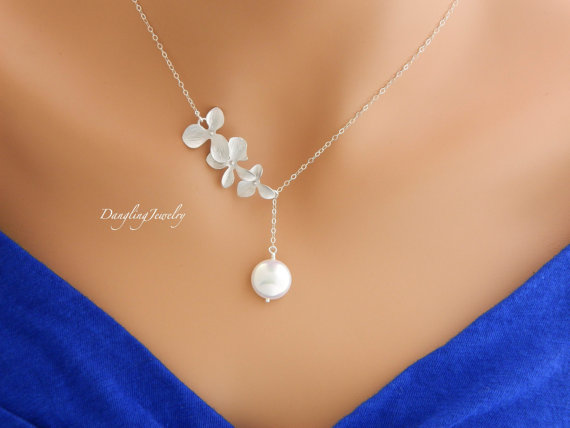 Hochzeit - Lariat Bridal Orchid Pearl Necklace, Wedding Necklace, Bridesmaid Gift, Bridesmaid Necklace, Maid of Honor Gift, Bridesmaid Jewelry