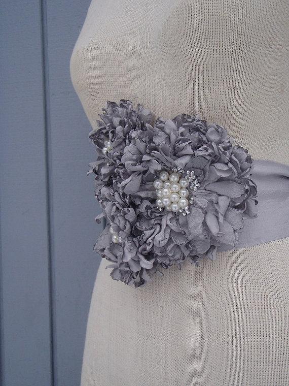 Свадьба - bridal sash for wedding handmade flowers grey color