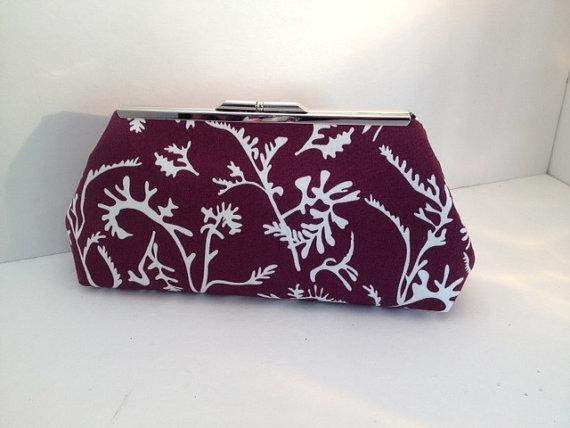 زفاف - Purple Off White Leaf Print Clutch Purse with Silver Finish Snap Close Frame, Floral Purse, Bridesmaid, Wedding, Teal Blue
