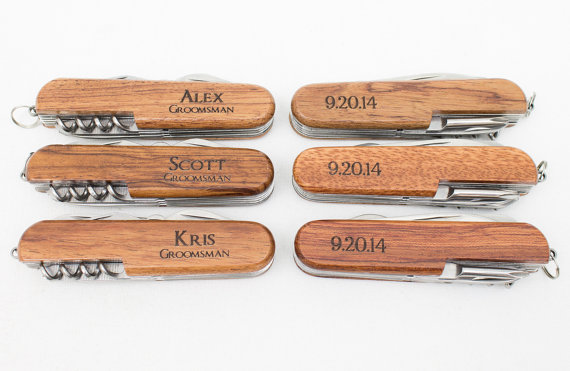 Свадьба - Ring Bearer Gift, 5 Engraved Pocket Knifes, Personalized Groomsmen Gift, Personalized Wedding Favor, Knife