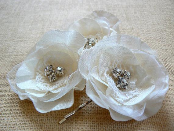 Hochzeit - Bridal hair accessory, bridal hair piece, bridal hair clips, wedding hair accessories, rustic vintage wedding, ivory bridal hair piece
