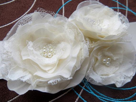 Свадьба - Bridal sash, wedding dress waist sash, bridal floral sash, bridal gown sash, vintage rustic bridal belt, ivory wedding dress belt