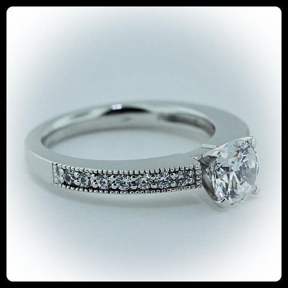 Mariage - Moissanite Engagement Ring Diamond Side Stones 14k Gold  Ring Name Modern Milgrain