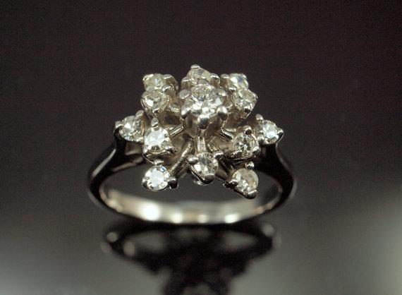 Свадьба - Diamond Snowflake Ring - Cluster Engagement Ring, Vintage 18k
