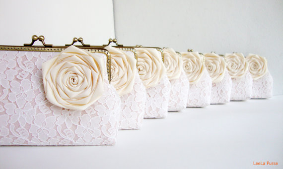 Mariage - Cream Wedding / 8 * Lace Bridesmaid Clutches with Silk Roses - You Choose The Color Flower and Lining