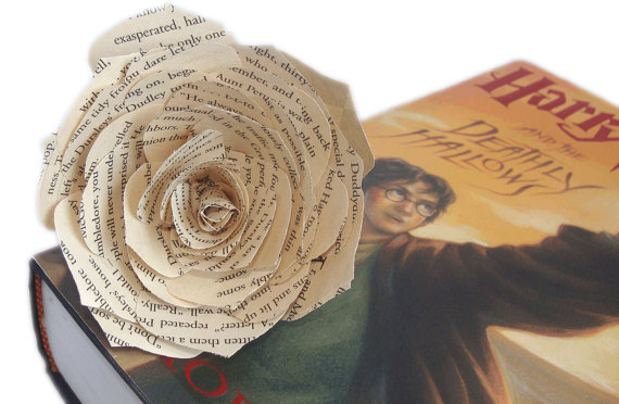 Mariage - Book flower wedding Decor, Book page flowers, Paper book Flowers, Fake Flower, Bridal flowers, Wedding flower, Baby shower decor, Paper Rose