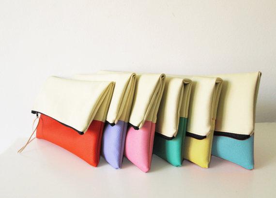 Hochzeit - Set of  Bridesmaids clutches, Bridesmaids clutch set, clutch purse, fold over purse, cream, Pastels, Gift, Wedding gift