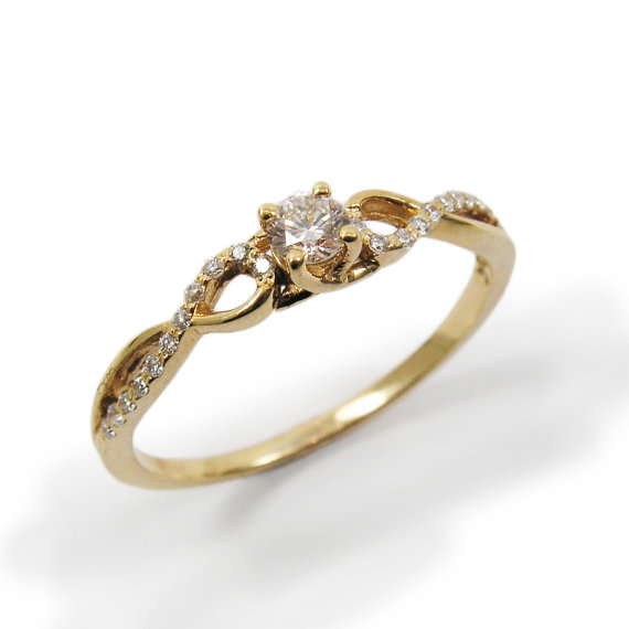 Hochzeit - Engagement Ring- Yellow gold & Diamonds (r-13124x). romantic gift