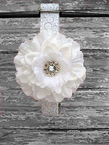 Свадьба - White Wedding Dog Collar with White Flower Accessory