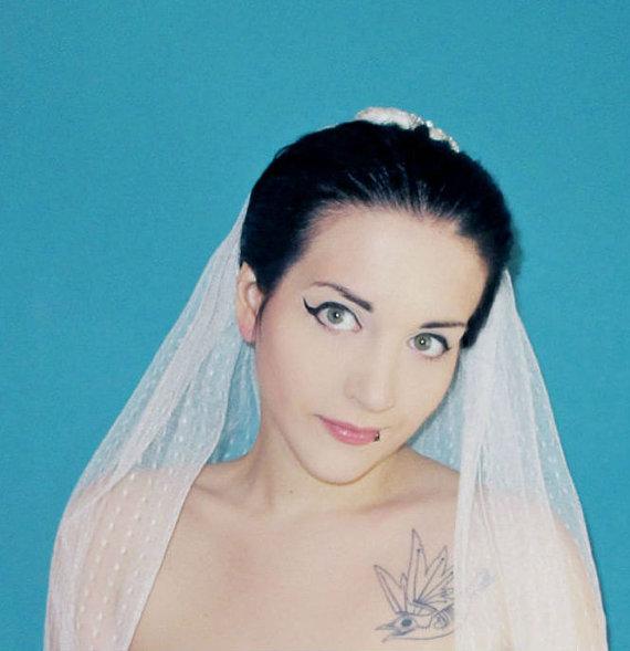 زفاف - Polka Dot Shoulder Length Wedding Veil Bridal Veils Cut Edge Ivory or White