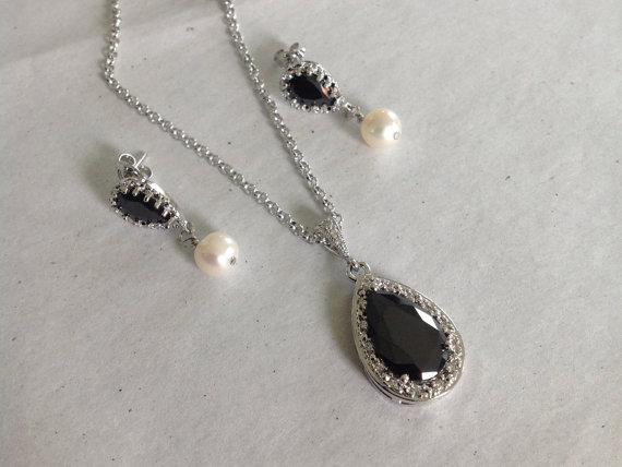 Свадьба - Bridesmaids Necklace and Earrings, Wedding bridesmaids jewelry, Bridesmaids jewelry set, Black cz studs and necklace, black pendant necklace
