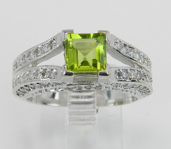 Свадьба - 14K White Gold Diamond Princess Cut Peridot Engagement Ring Green Size 6.75