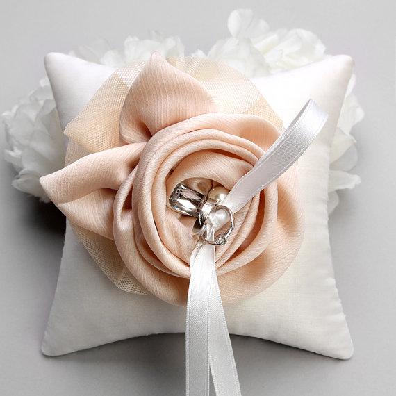 Mariage - Ring pillow - wedding ring pillow, champagne silk flower ring bearer pillow - Shannon
