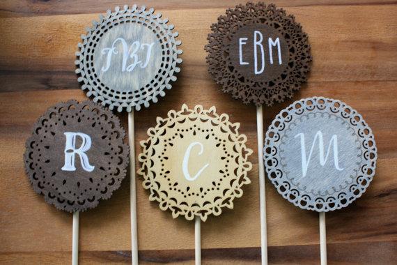 Fancy Laser-cut Wooden Circle Monogram // Initial Wedding Cake