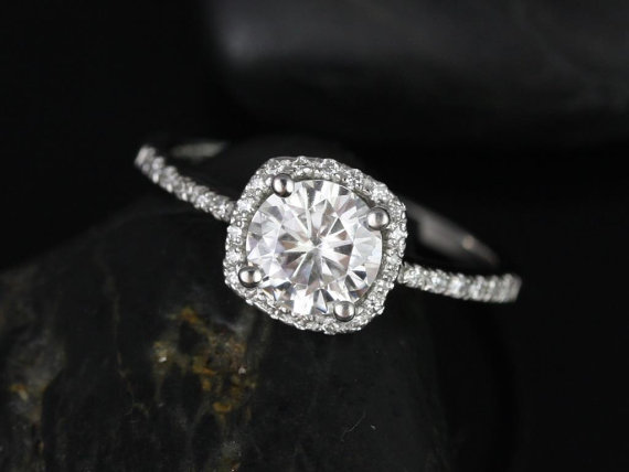 Mariage - Barra 6mm 14kt White Gold Round FB Moissanite and Diamonds Cushion Halo Engagement Ring (Other metals and stone options available)